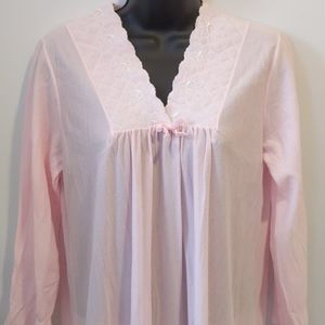 2/$20 Vintage lightweight pink nightgown small